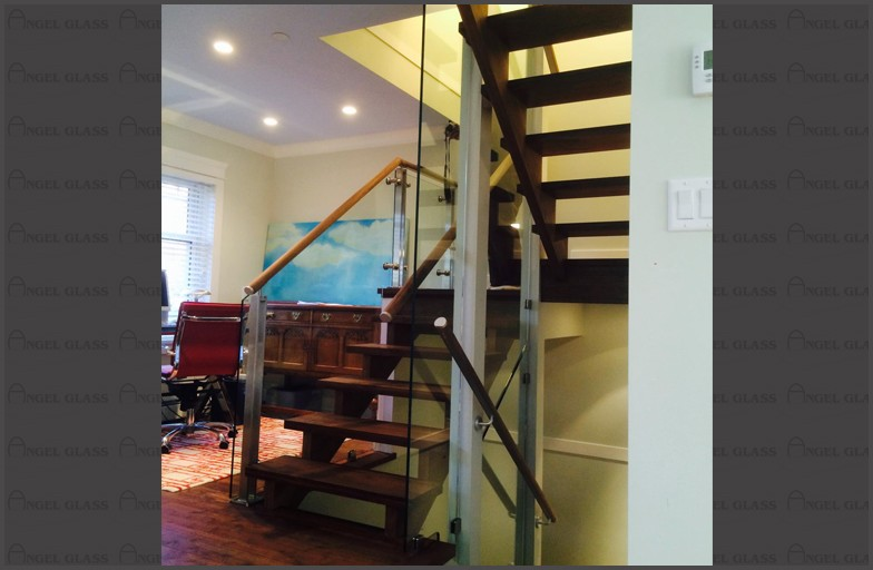 Dave Mathieson - Interior Elegant Glass Railing System