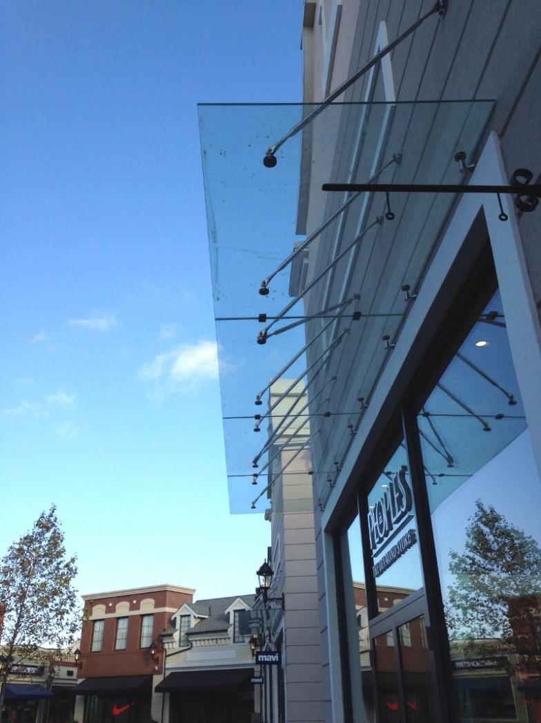 YVR McArthurGlen Designer Outlet - Complete Custom Glass Canopy System